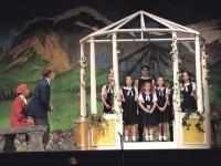 The Von Trapp children singing