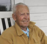WWII pilot Gil Klecak shares memories of his time as a navigator and his passion for flying.